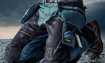 Snickers introduces new kneepads for tradespeople