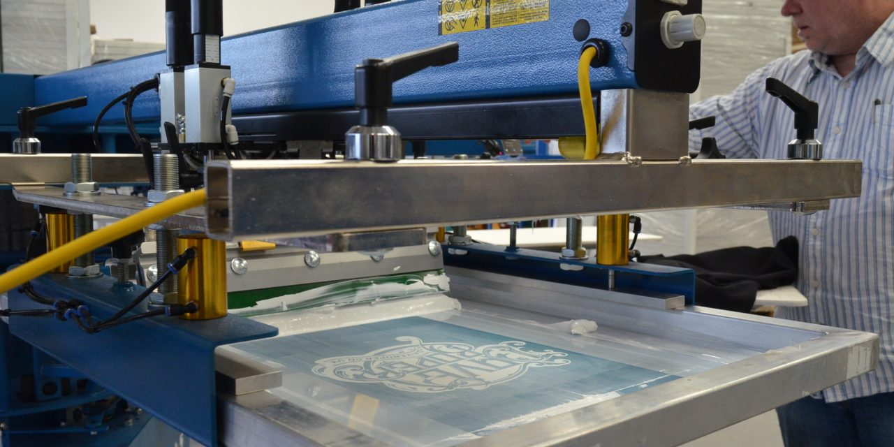 Dave Roper invites potential customers to print actual jobs at its showroom