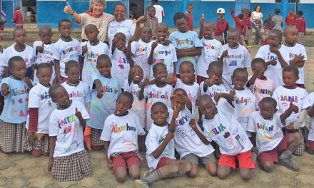 PAG donates 100 Gildan T-shirts to the Walk Centre