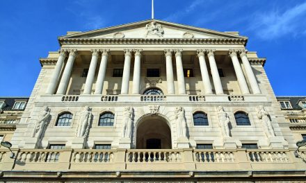 Covid-19: Bank of England cuts UK interest rates to 0.1%