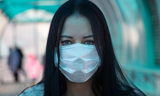 Covid-19: UK government advises public to cover faces in enclosed public spaces