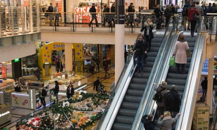 Covid-19: Non-essential shops to reopen in England on 2 December