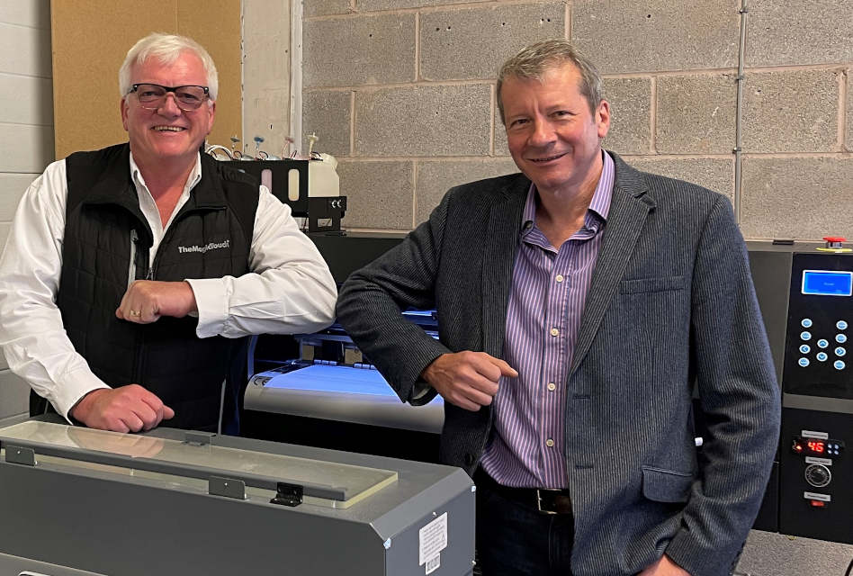 [L-R] Jim Nicol, managing director of TMT and Colin Marsh, managing director of Resolute DTG, have collaborated on the new R-Jet Pro DTF